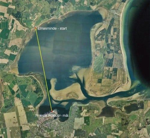 På dette satellitfoto kan man se, hvor lukket og forholdsvis lavvandet, der er i Præstø Fjord (og tak til roklubben for lån af billedet)